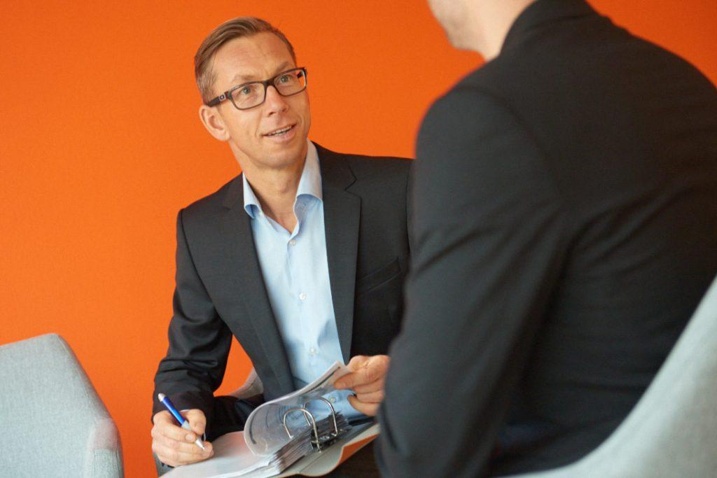 Stavro Petri erklärt Ihnen die Fördermöglichkeiten bei Unternehmensberatung